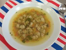 Zeleninový vývar s rybími knedlíčky